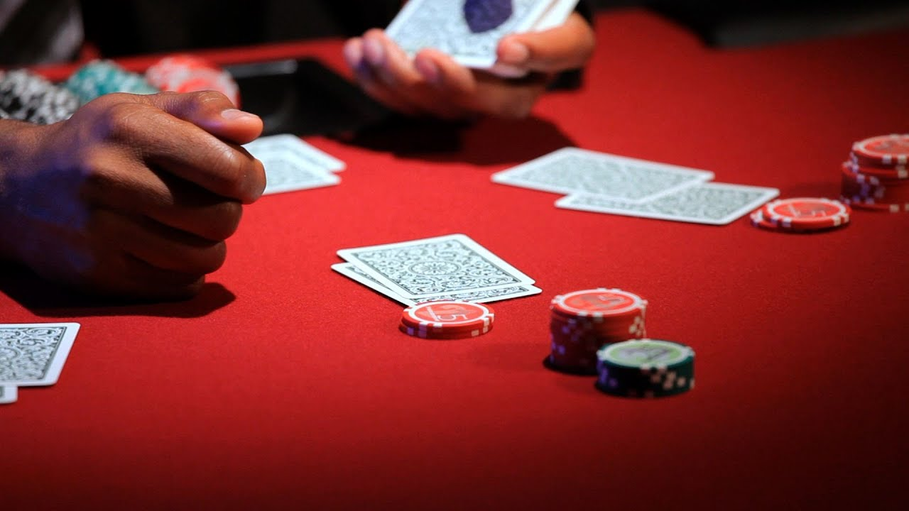 Poker And Gambling – 3 Advantages Of Playing Online - Poker Nut Hand